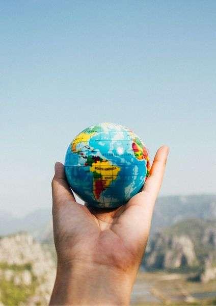 Mappamondo in mano - come viaggiare low cost