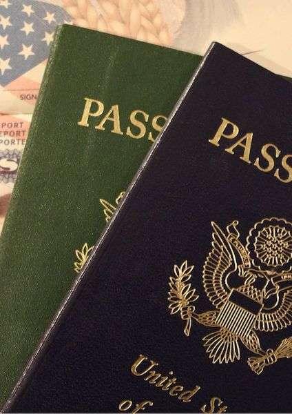 Copertina documenti di viaggio