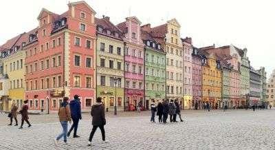Facciate colorate di Piazza Rynek a Breslavia