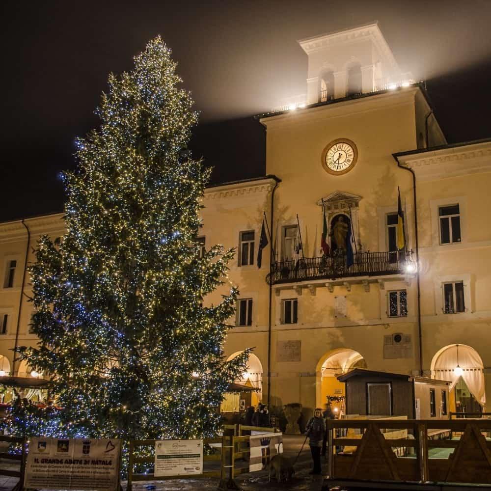 piazza garibaldi a Natale