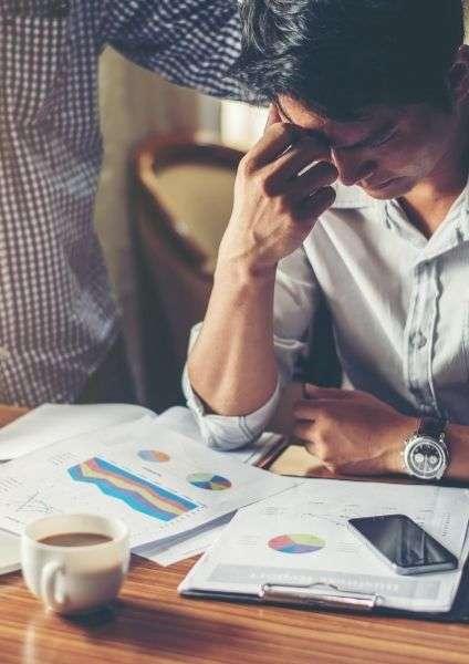lasciare il lavoro, uomo stressato
