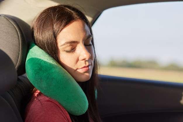 autostoppista addormentata
