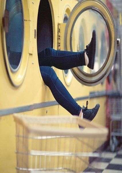 come lavare i tuoi vestiti in viaggio