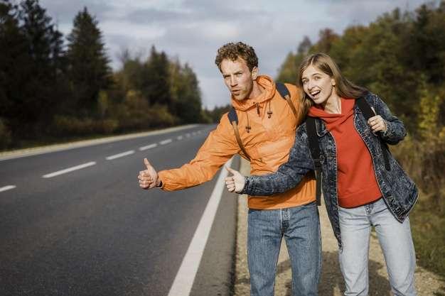 autostop in coppia - viaggiare senza soldi