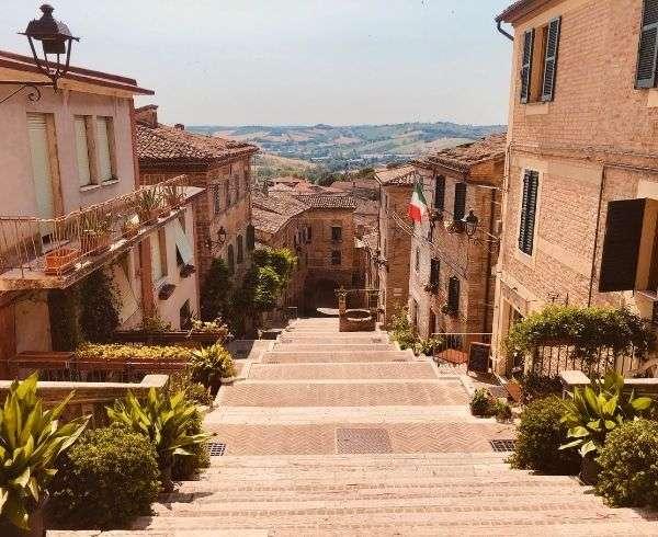 vista scalinata corinaldo
