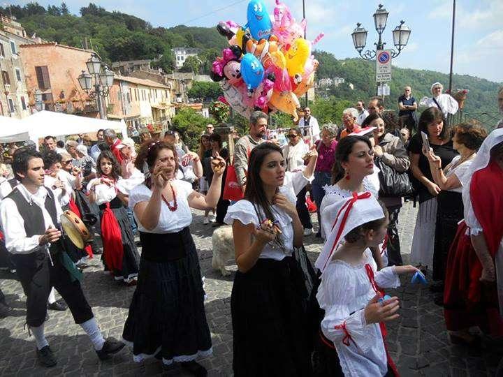 Sfilata in costume da Fragolare - Festa Nemi