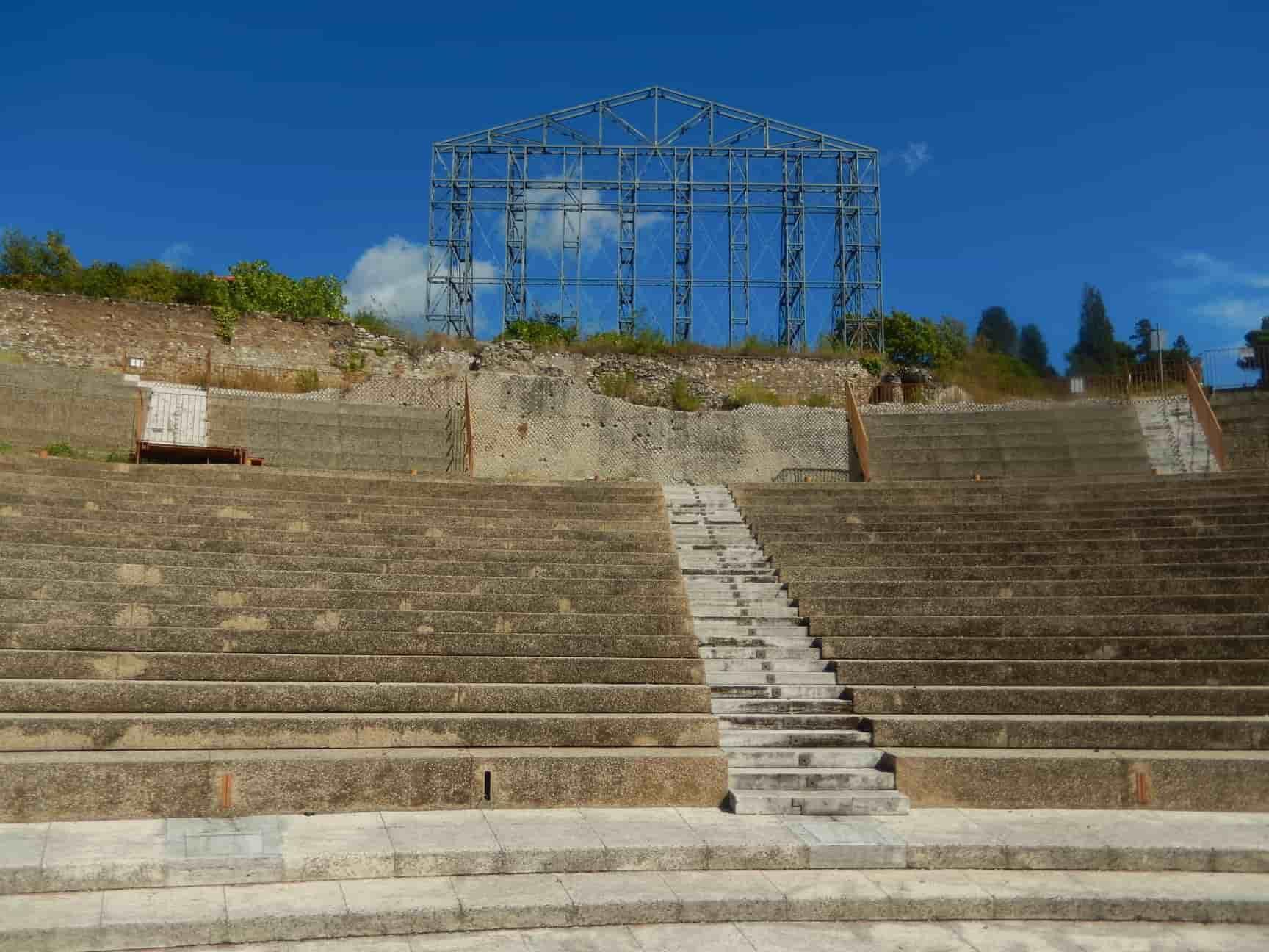 scalinata di un Teatro romano a Tivoli - Santuario di Ercole Vincitore
