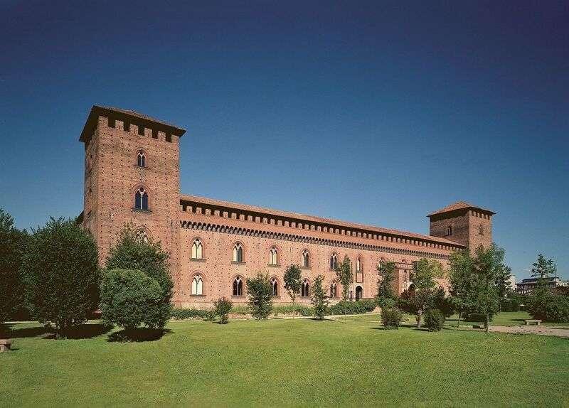 Tra le cose da fare e vedere a Pavia sicuramente rientra il simbolo della città: il castello visconteo