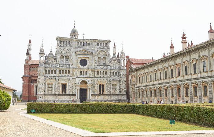 Cosa fare e cosa vedere a Pavia e nei suoi dintorni: a 6km dal centro storico si trova il complesso monumentale della Certosa