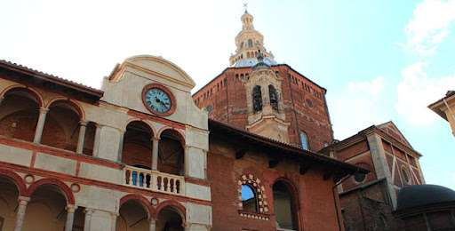 Cosa fare e cosa vedere a Pavia per scoprire la sua storia: la visita al Broletto