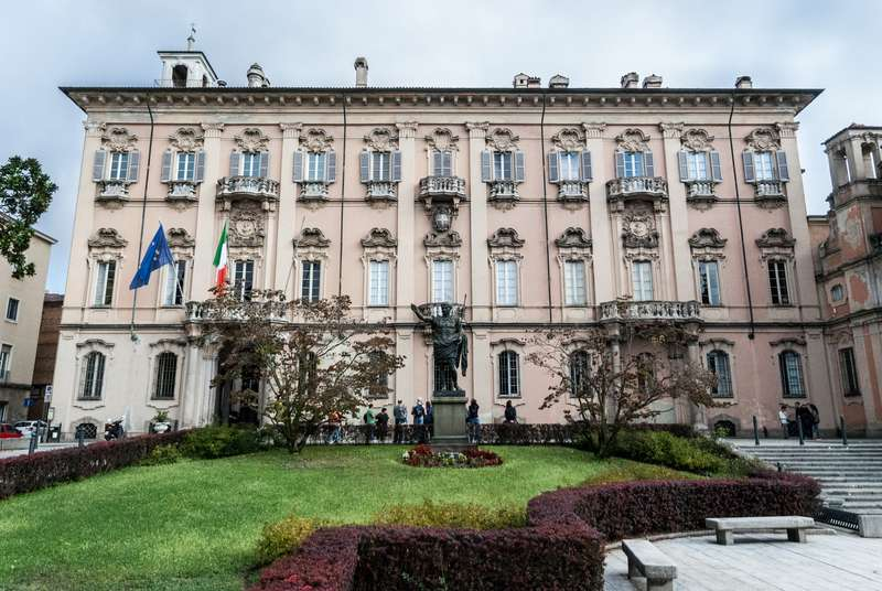 Cosa fare e cosa vedere a Pavia e nei suoi dintorni: Palazzo Mezzabarba