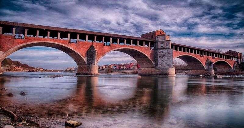 Il nuovo ponte coperto nasce sui resti del precedente ponte vecchio coperto